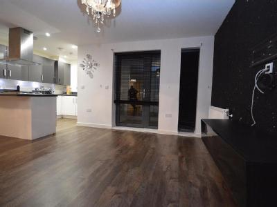 Willow Road, Chigwell, Ig7 - Balcony