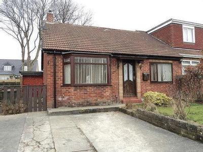 Woodley Grove, Ormesby, Ts7 - Garden
