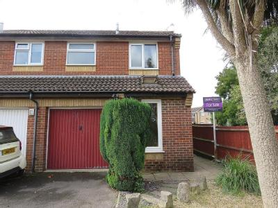 Woodstock Close, Hedge End, SO30