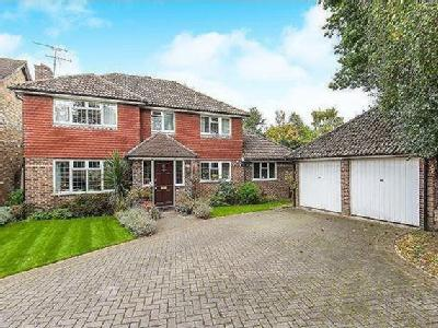 Yateley Hampshire - Detached, Garden